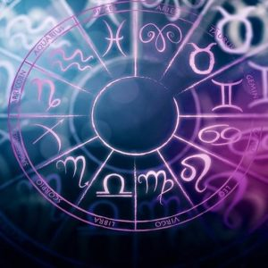 Horoscop weekend 26-27 septembrie. Cea mai aiurită zodie. Acest weekend nu începe prea bine pentru ea