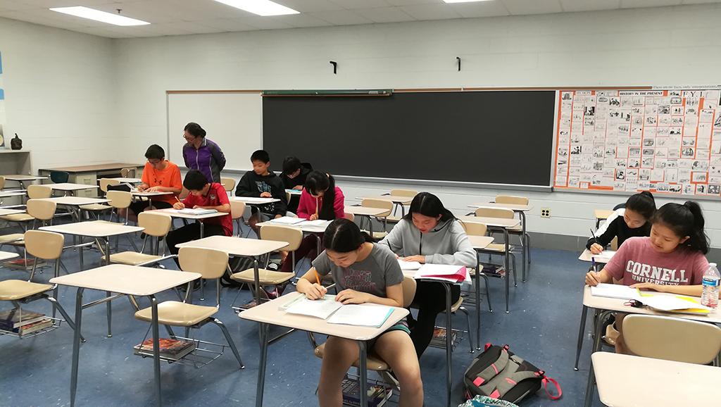 中文高年级皮兰老师观察学生课堂作文