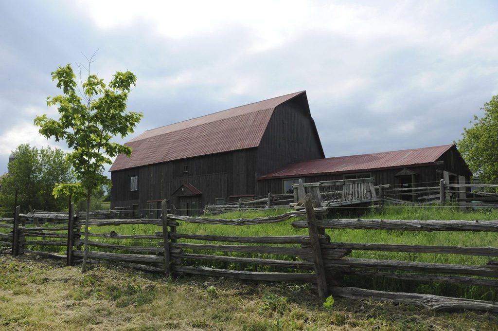 barn_wide_angle