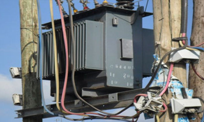Related image shame! monarch and retired police officer caught stealing transformers from community SHAME! MONARCH AND RETIRED POLICE OFFICER CAUGHT STEALING TRANSFORMERS FROM COMMUNITY KENYA POWER TRANSFORMER