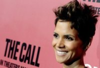 HALLE-BERRY-SMILE