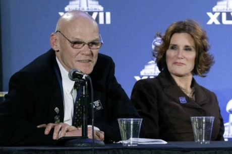 Political commentators and husband and wife James Carville, left, and Mary Matalin speak at an NFL footballSuper Bowl XLVII news conference on Monday, Jan. 28, 2013, in New Orleans. The Baltimore Ravens and San Francisco 49ers are scheduled to play in Super Bowl XLVII on Sunday, Feb. 3.  (AP Photo/Patrick Semansky)