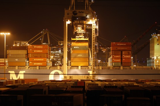 Containers are loaded onto the Mol Matrix in a general view of the Port of Los Angeles. (REUTERS/David McNew)