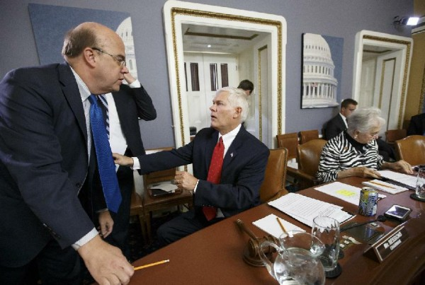 Rep. James P. McGovern, D-Mass., left, speaks with House Rules Committee Chairman Rep. Pete Sessions, R-Texas (AP Photo/J. Scott Applewhite)