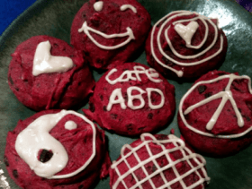 "Feeling ""experimental""? Try the ABoDegas beet cookies (Image: Cafe ABoDegas)"