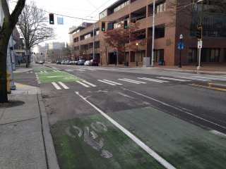 Construction has made accessing the Broadway bikeway from the north a dangerous undertaking (Image: CHS)