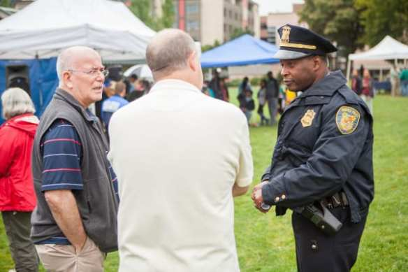 Capt. Davis talks with East Precinct picnic attendees (Images: CHS)
