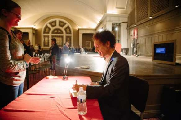 Malcolm Gladwell (Image:  Seattle Arts & Lectures via Flickr)