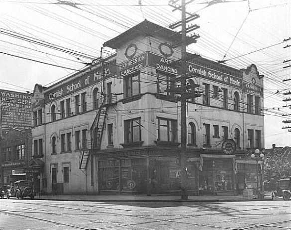 Cornish at Broadway and Pine, 1920 (Image: Webster & Stevens; PEMCO Webster & Stevens Collection, Museum of History & Industry, Seattle)