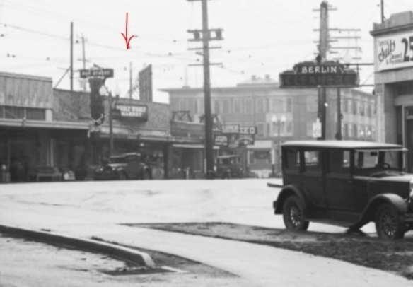 Zoom of Seattle Municipal Archives 50003, showing location of Piggly Wiggly in 1932