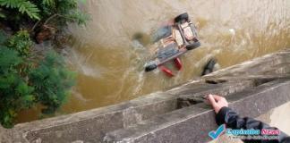 Morre passageira resgatada de carro que caiu no rio em Alegre