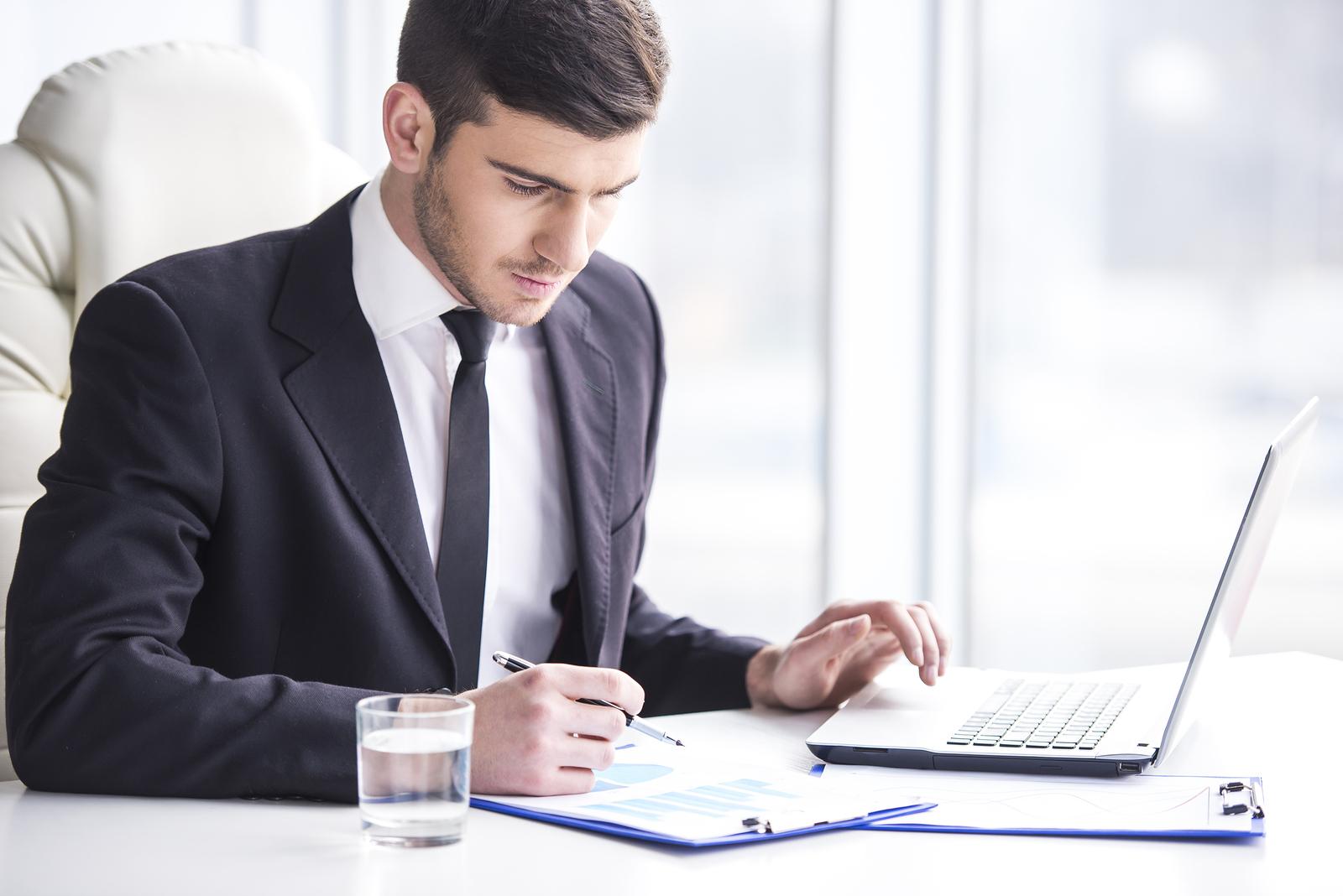 https://i1.wp.com/www.caproasia.com/wp-content/uploads/2015/08/Professional-Banker-3.jpg