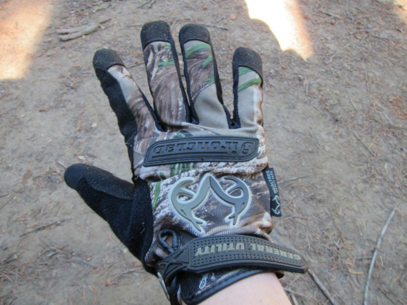 Airyca's Favorite Things #4 - Ironclad Utility Gloves | The Captain's Log | www.captainairyca.com