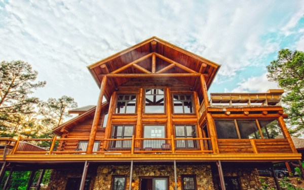 wooden house: Eco Friendly home renovations