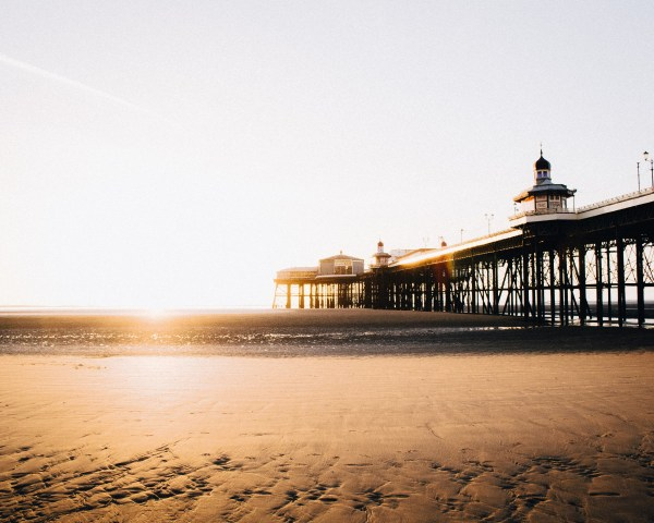 blackpool beach sunset uk