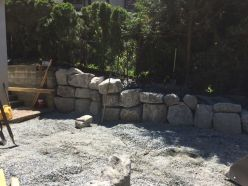 Finished rock retaining wall