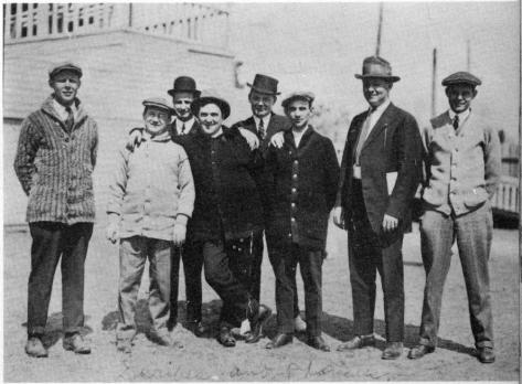 An assembly of sportswriters at the Yankees' 1911 spring training camp.