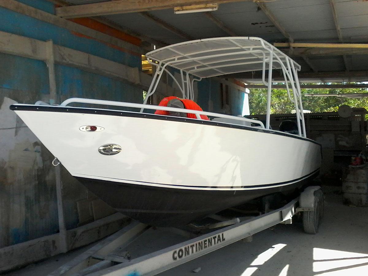Alex's New 25ft Tiburon Boat