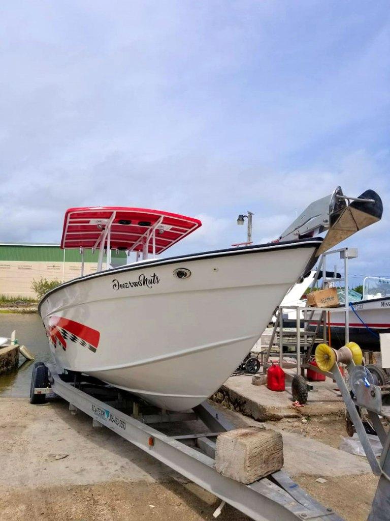 Wahoo 28ft Boat - Deez Two Nuts