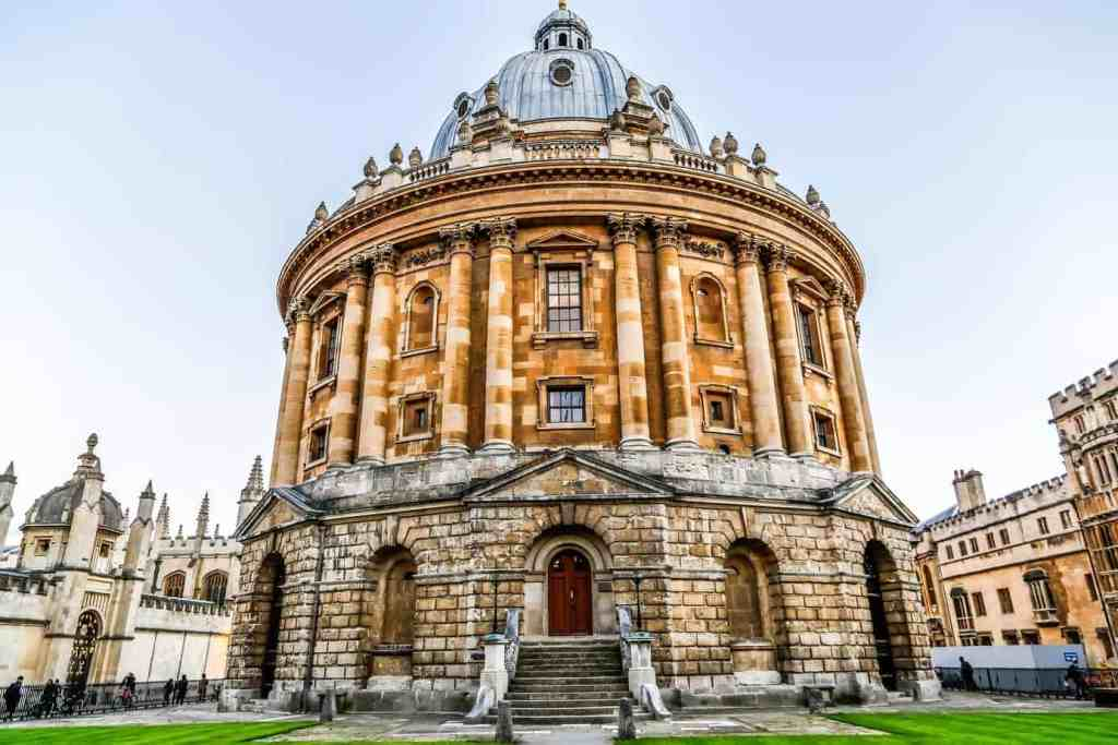 8 IQ Boosting Things To Do In Oxford - The Bodleian.