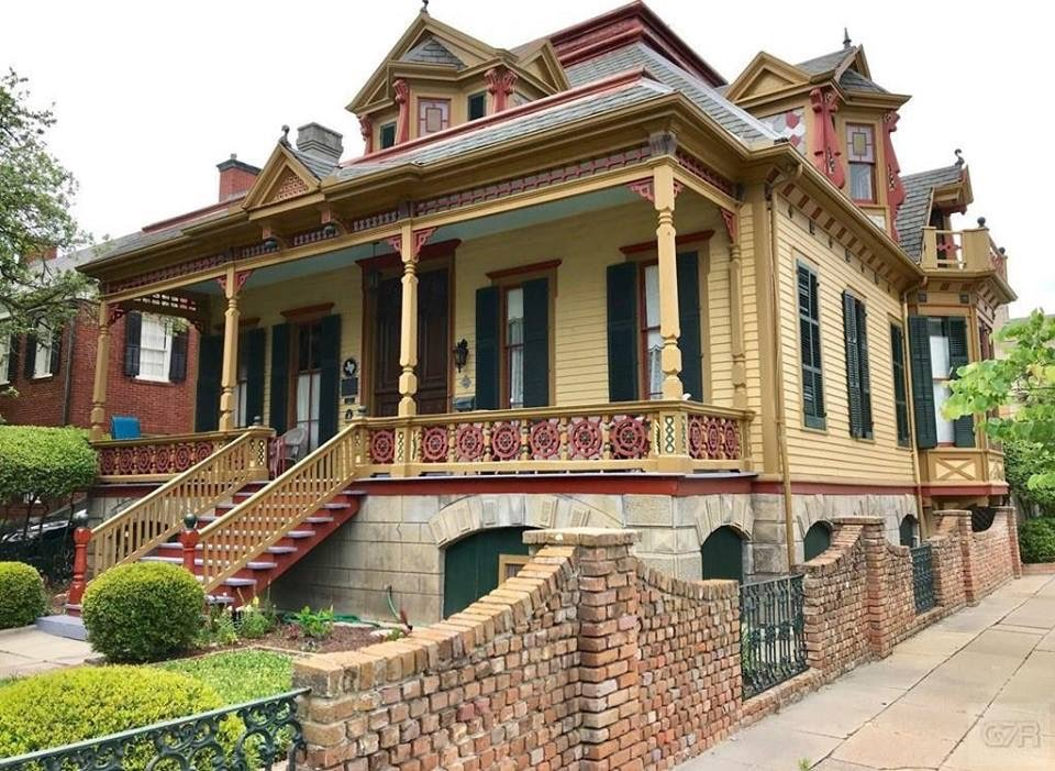 1885 Sweeney-Royston Home In Galveston Texas