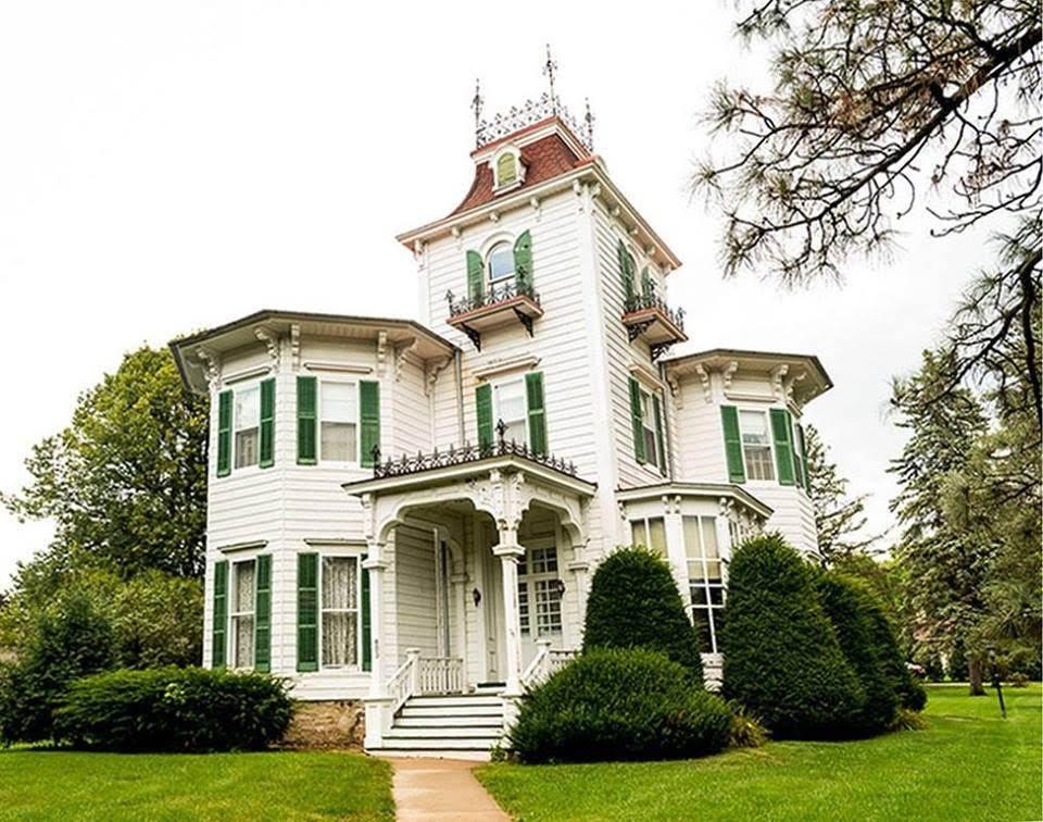 1875 Italianate Victorian In Sparta Wisconsin