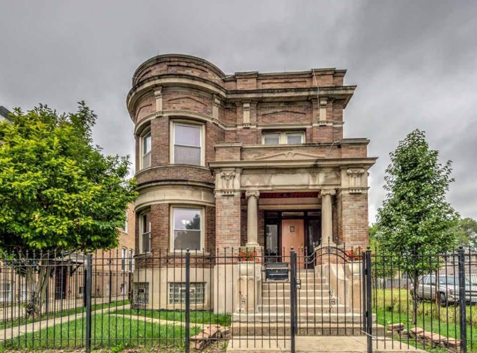 1903 Historic Mansion In Chicago Illinois