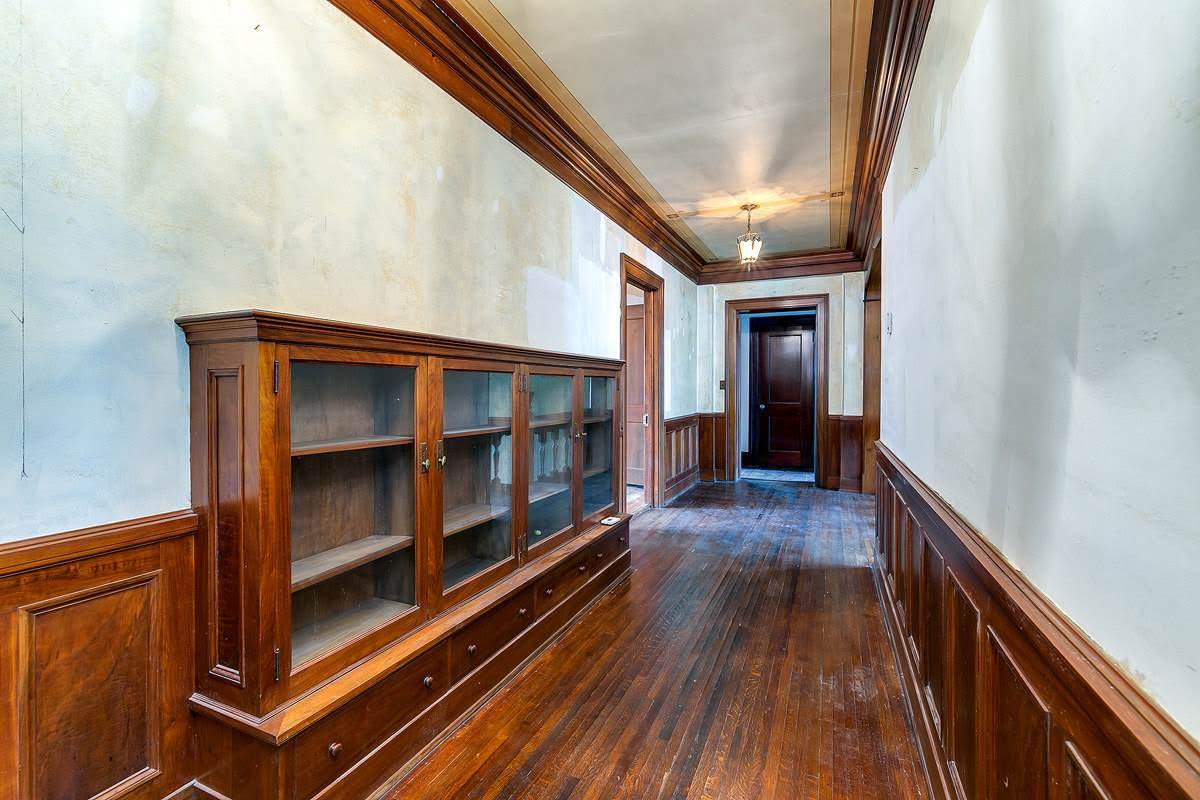 1910 Mansion For Sale In Davenport Iowa Captivating Houses