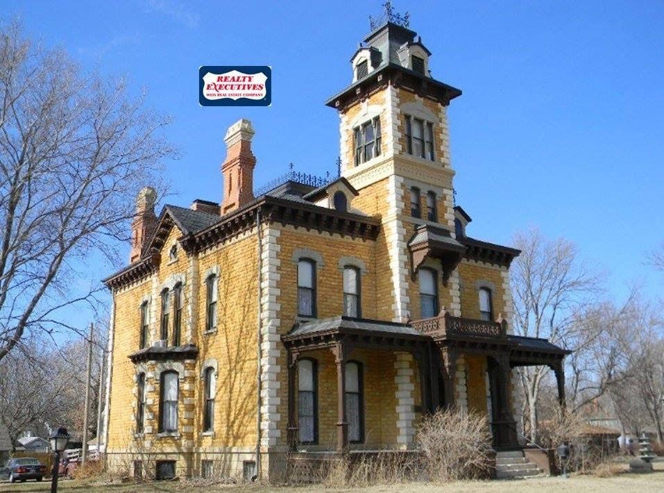 1880 lebold mansion for sale in abilene kansas captivating houses. Black Bedroom Furniture Sets. Home Design Ideas