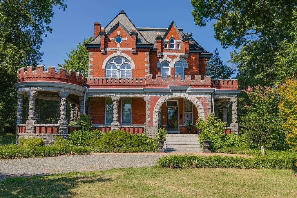 1898 Historic House In Henrico Virginia
