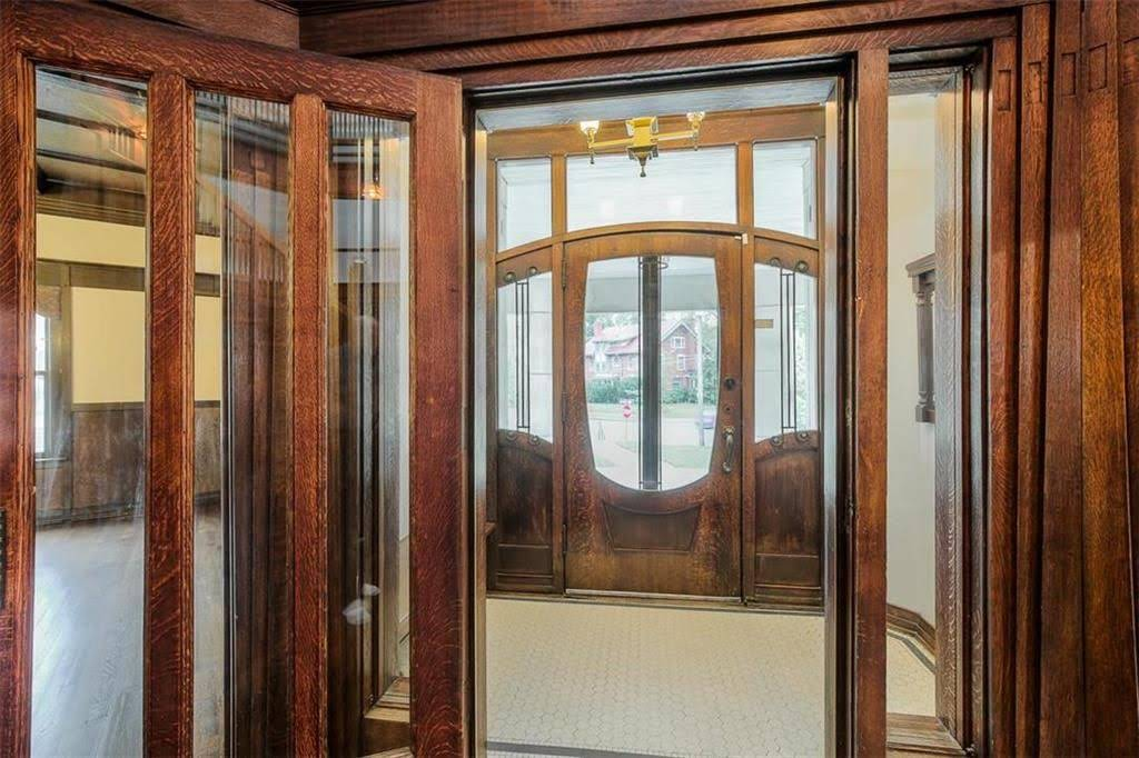 1910 Historic House For Sale In Kansas City Missouri