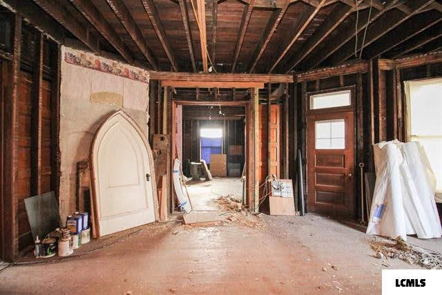 1890 Fixer Upper For Sale In Mount Pulaski Illinois