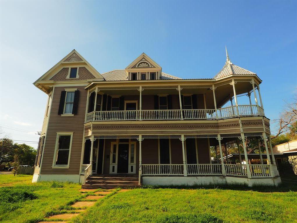 1890 Victorian In La Grange Texas