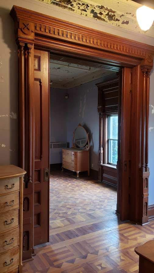 1860 Hubbard House For Sale In New Carlisle Indiana