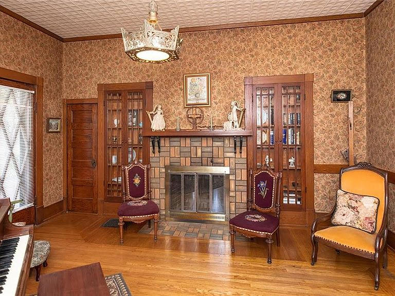 1908 Historic House For Sale In Brady Texas
