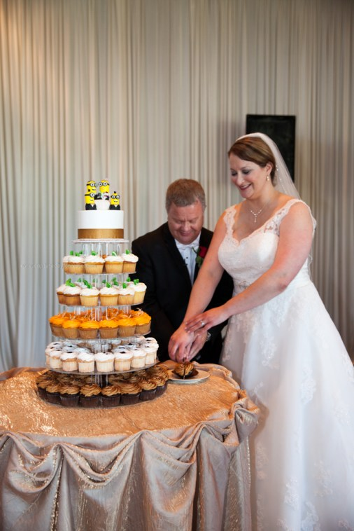 Wedding Cake cut