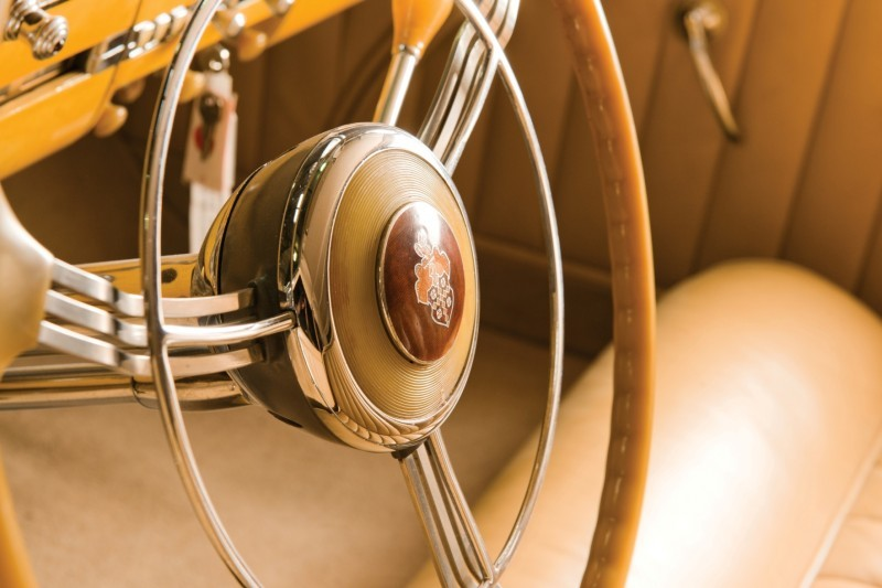 1940 Packard Custom Super Eight Convertible Sedan by Darrin 14