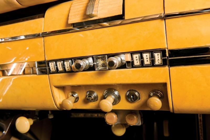 1940 Packard Custom Super Eight Convertible Sedan by Darrin 16