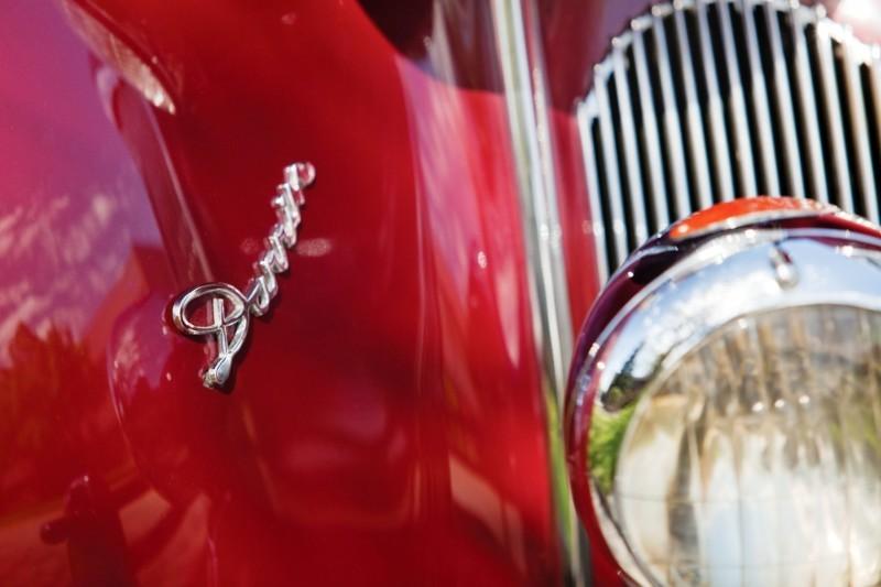 1940 Packard Custom Super Eight Convertible Sedan by Darrin 6