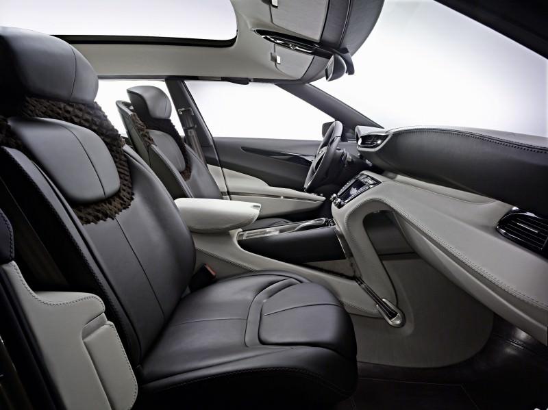 2009 Aston Martin LAGONDA SUV Concept 16 - Copy (2)