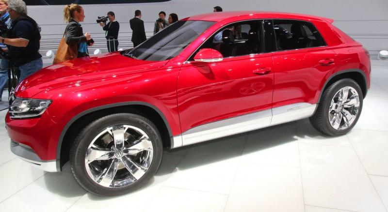 2011 Volkswagen Cross Coupe SUV Concept 21