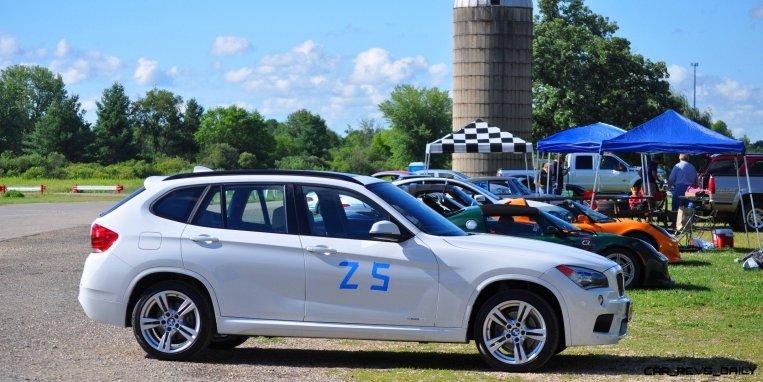 BMW X1 sDrive28i M Sport - Alpine White in 60 High-Res Photos5