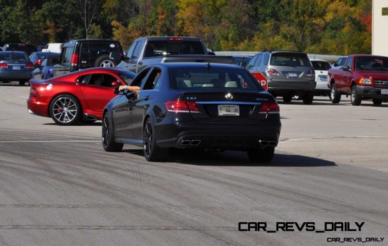 CarRevsDaily.com - Fun Car Gifs - 2014 E63 AMG 4MATIC S-Model in 30 High-Res Images5