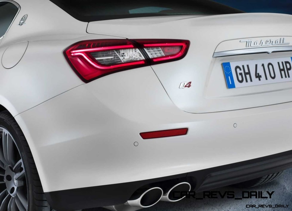 Maserati-Ghibli-gruppo-ottico-posteriore