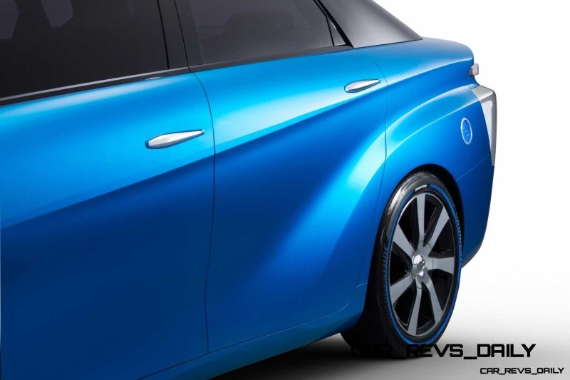 2013_Tokyo_Motor_Show_Toyota_Fuel_Cell_Vehicle_Concept_011