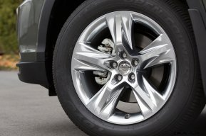 CarRevsDaily - 2014 Toyota Highlander Exterior Photo17
