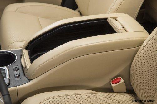 CarRevsDaily - 2014 Toyota Highlander Interior Photo19