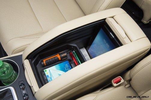 CarRevsDaily - 2014 Toyota Highlander Interior Photo27