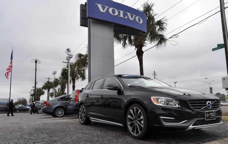 2015 Volvo V60 T5 Sport Pack -- Video Walkaround and 30 All-New Photos 2