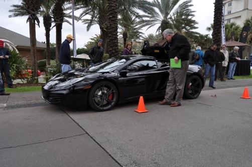 2014 McLaren 12C Spider Is Mobbed in Amelia Island! Failed Drop-top Animations 23